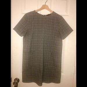 F21 GREY WOBEN PLAID DRESS
